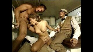 beautiful naked women butt
